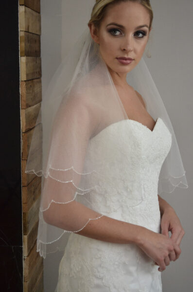 V8702 Two tier veil with embellished comb.