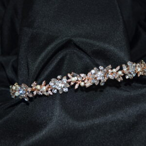 Pearl headband with rhinestones and pearls. Available in silver and rose gold.